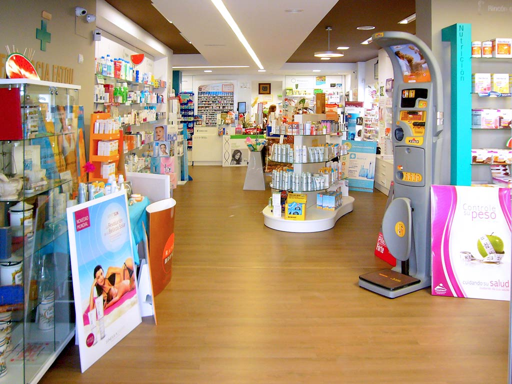 Interior Farmacia Fatou